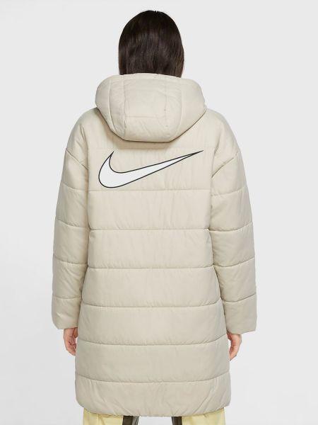 Утепленная бежевая куртка с высоким воротником Nike