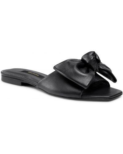 Czarne sandały skorzane Gino Rossi