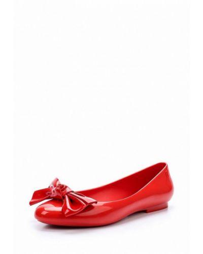 Красные балетки Melissa