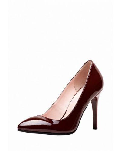 Кожаные туфли на каблуке закрытые Emmelie Delage