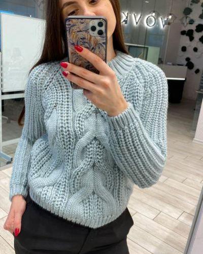 Розовый шерстяной вязаный свитер с косичкой Vovk