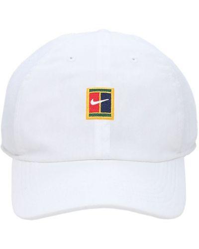 Z paskiem biały czapka z daszkiem z haftem Nike