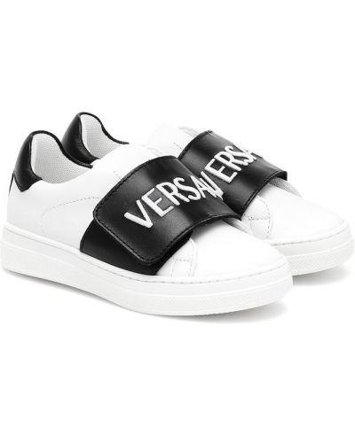 Skórzany biały sneakersy Versace Kids