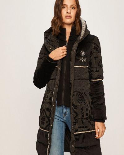 Прямая черная куртка с капюшоном Desigual