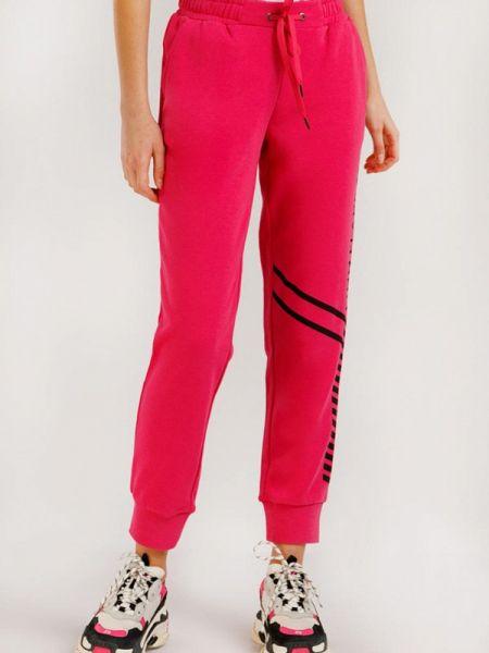 Спортивные брюки розовый расклешенные Finn Flare