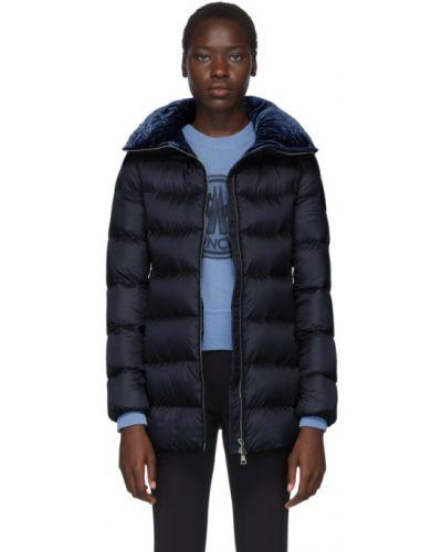 Длинная куртка стеганая бархатная Moncler