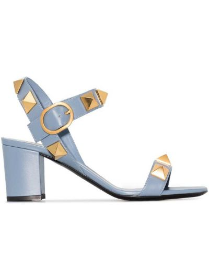Niebieskie sandały skórzane na obcasie Valentino Garavani