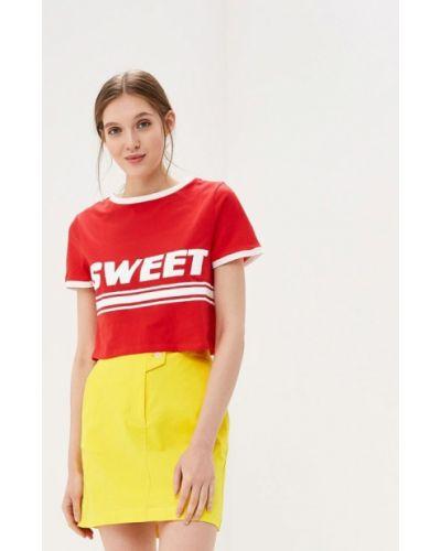 Красная футболка 2019 Glamorous