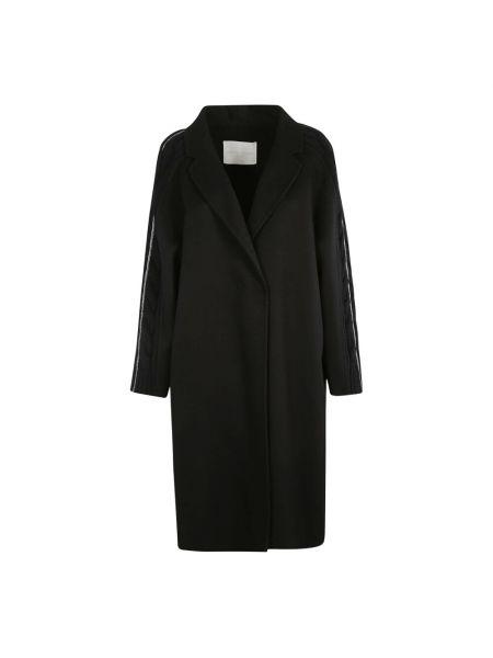 Czarny płaszcz Fabiana Filippi