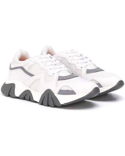 Białe sneakersy skorzane płaska podeszwa Young Versace