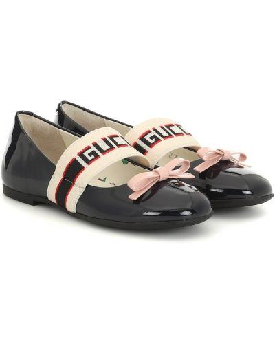 Światło czarny skórzany baleriny na paskach Gucci Kids