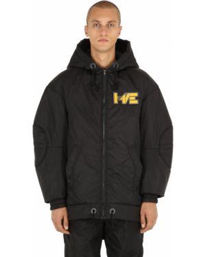 Czarna kurtka z kapturem z nylonu Haervaerk