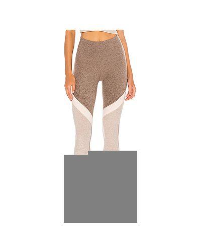 Коричневые брюки для йоги Beyond Yoga