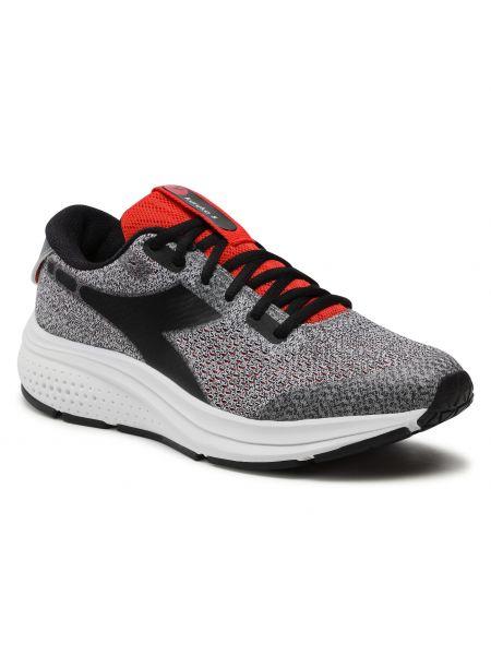 Buty sportowe srebrne - czarne Diadora