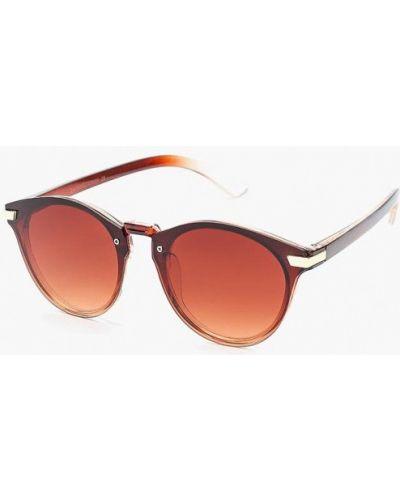 Коричневые солнцезащитные очки Zarina