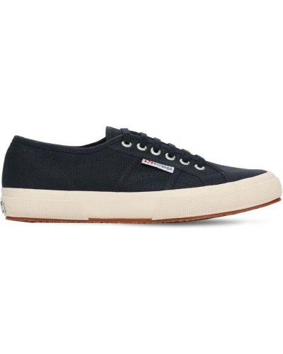 Кроссовки на шнуровке из канваса Superga