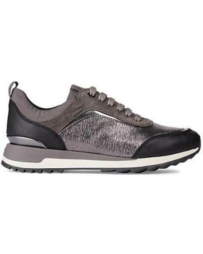 Кожаные кроссовки на каблуке на шнурках Geox