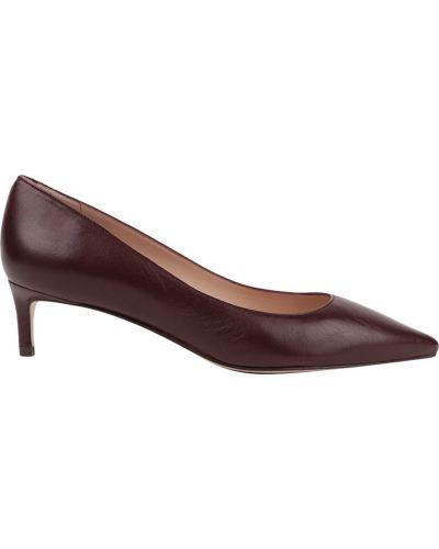 Туфли на низком каблуке кожаные на каблуке Stuart Weitzman