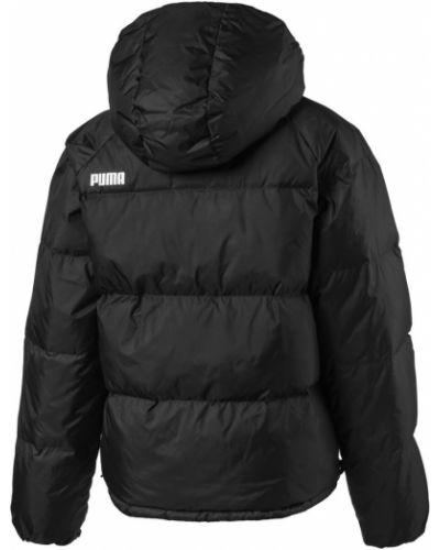 С рукавами черная куртка с капюшоном Puma