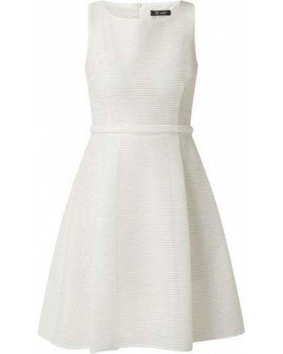 Biała sukienka koktajlowa rozkloszowana Paradi