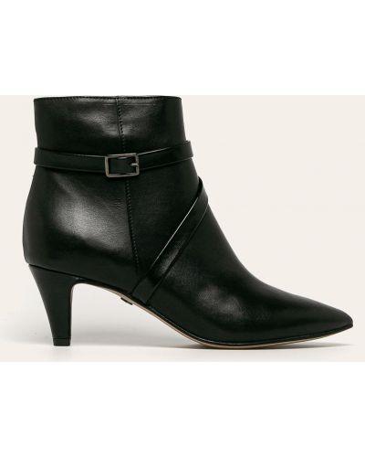 Ботинки на каблуке на шпильке черные Tamaris