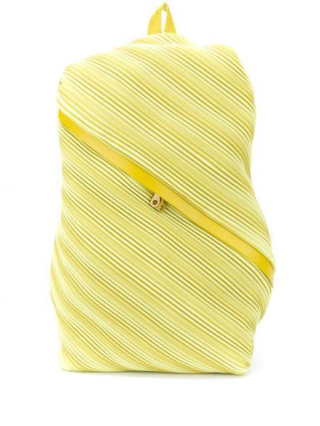Żółty plecak skórzany Pleats Please Issey Miyake
