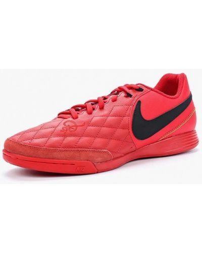 Красные кожаные бутсы Nike