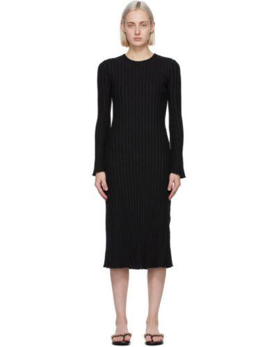 Czarny długo sukienka z długimi rękawami z kołnierzem Simon Miller