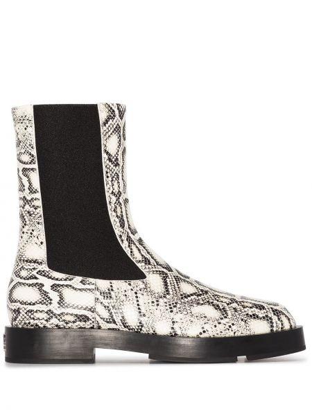 Białe wężowe botki Givenchy