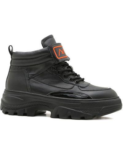 Ботинки на низком ходу - черные Prego