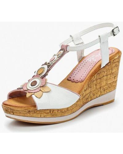 Белые босоножки на каблуке Dali