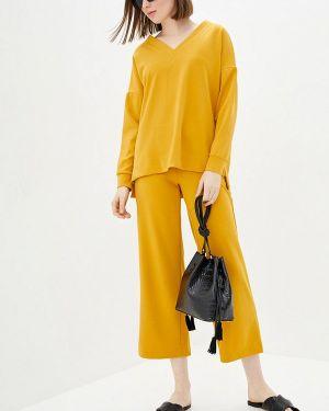 Облегающий желтый брючный костюм Lilove