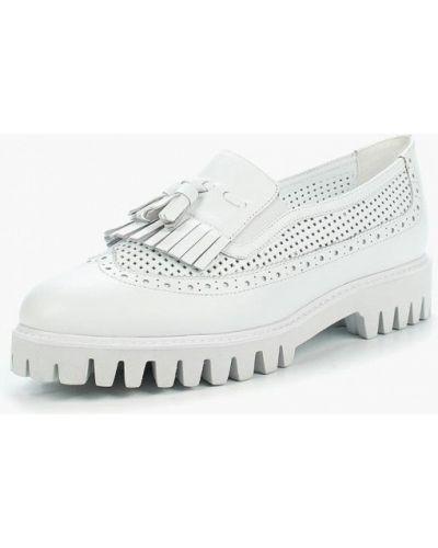 Кожаные туфли на каблуке Vitacci