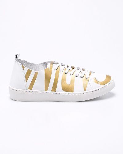 Кожаные кроссовки на шнуровке Carinii