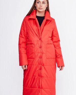 Красная куртка Sfn