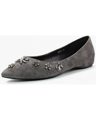 Серые замшевые туфли Vitacci