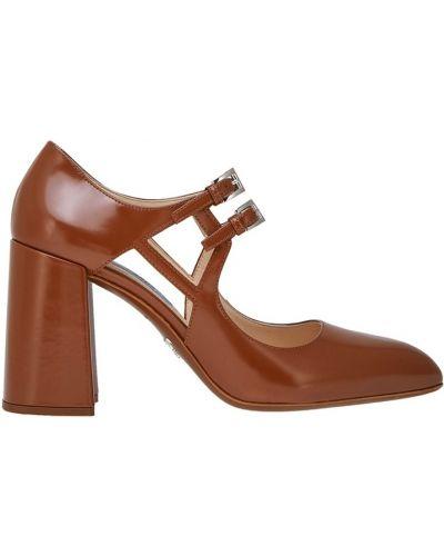 Классические туфли кожаные на каблуке Prada