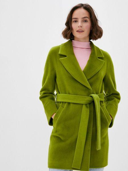 Зеленое пальто с капюшоном снежная королева