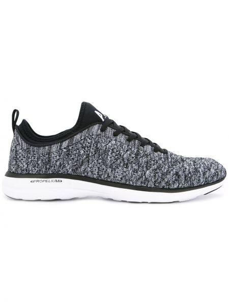 Черные кроссовки Apl