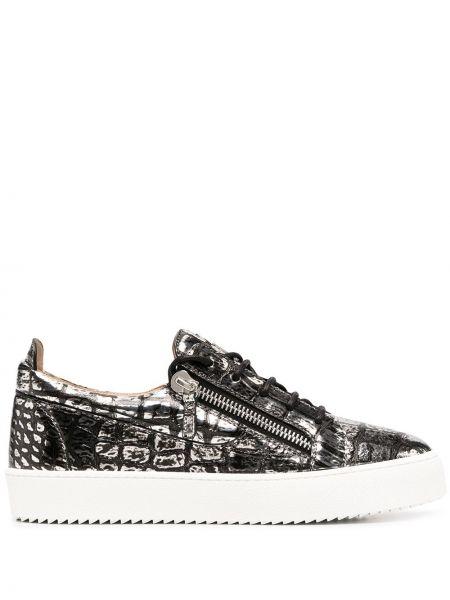 Skórzany srebro skórzane sneakersy na sznurowadłach okrągły Giuseppe Zanotti