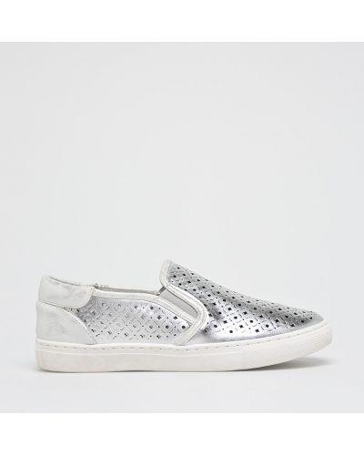 Слипоны низкие серебряного цвета Answear