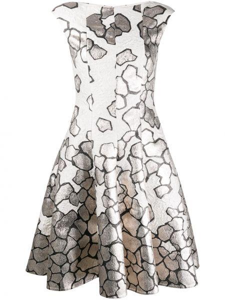 Серебряное расклешенное приталенное платье с вырезом Talbot Runhof