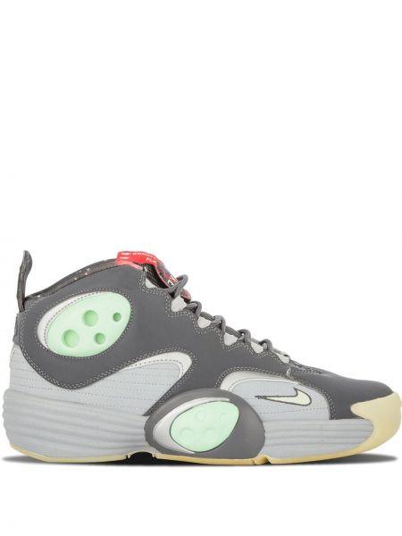 Серые кожаные кроссовки на шнурках Nike