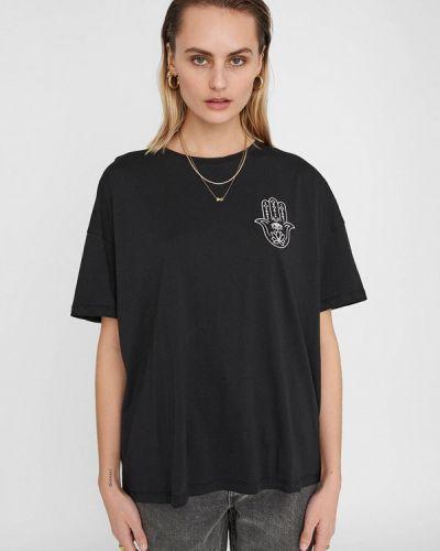 С рукавами черная футболка Noisy May