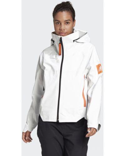 Белая куртка Adidas