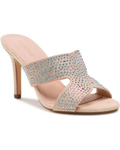 Beżowe sandały Menbur