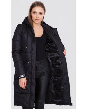Теплая черная утепленная куртка Sfn