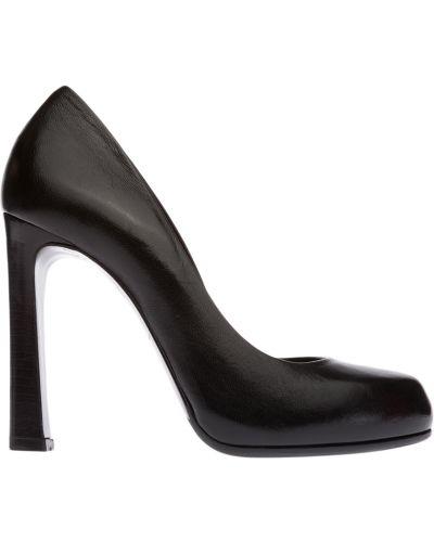 Черные кожаные туфли Fabi