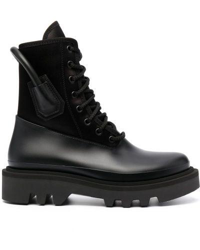 Czarny skórzany buty okrągły Givenchy