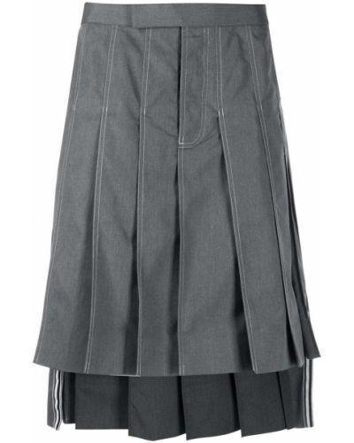 Серая плиссированная юбка в полоску Thom Browne